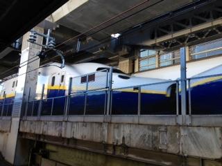 神田駅の京浜東北線ホームから新幹線♫